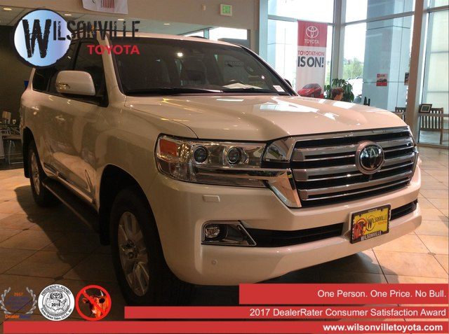 New 2018 Toyota Land Cruiser V8 w/accessories (see description)