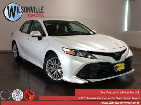 New 2019 Toyota Camry XLE w/accessories (see description)