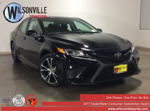 New 2019 Toyota Camry SE w/accessories (see description)