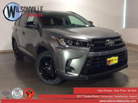 New 2019 Toyota Highlander SE V6 w/accessories (see description)